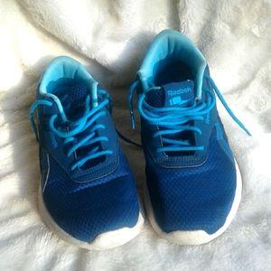 Women's 8.5 Reebok sneakers
